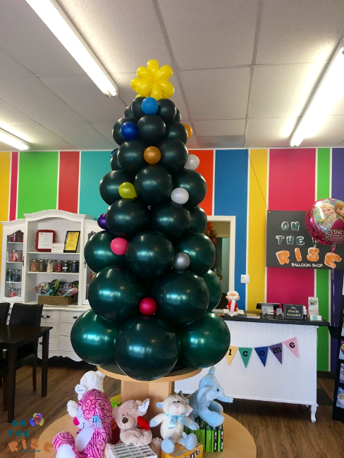 Christmas Tree Balloon.Balloon Christmas Tree On The Rise Balloon Shop